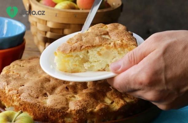 Jablečný koláč se zázvorem recept