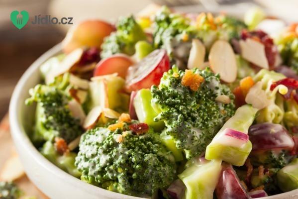 Jarní brokolicový salát recept