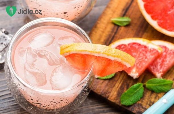 Kokteil z bílého rumu a grapefruitové šťávy recept