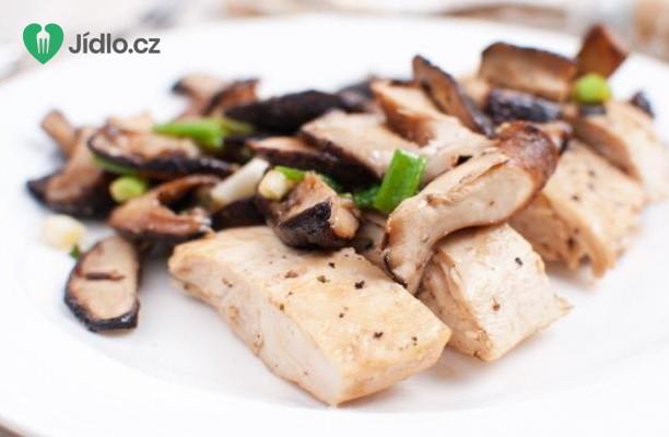 Recept Kuřecí maso na víně s shiitake