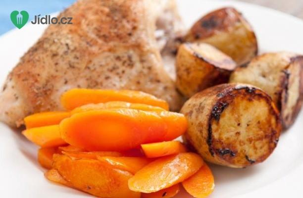 Kuřecí prsa s brambory a mrkví recept