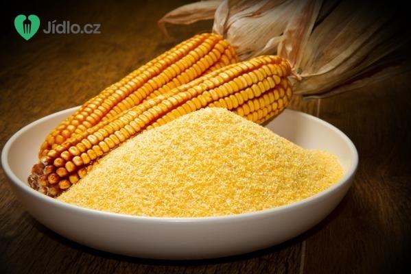 Kukuřičné špecle zapečené se sýrem a cibulí recept