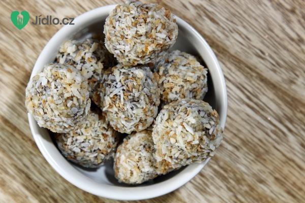 Kuličky ze sušených meruněk a kokosu recept