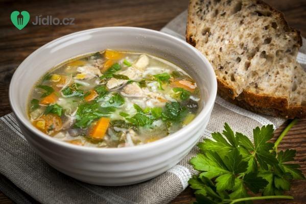 Kuřecí polévka s pórkem a rýží recept