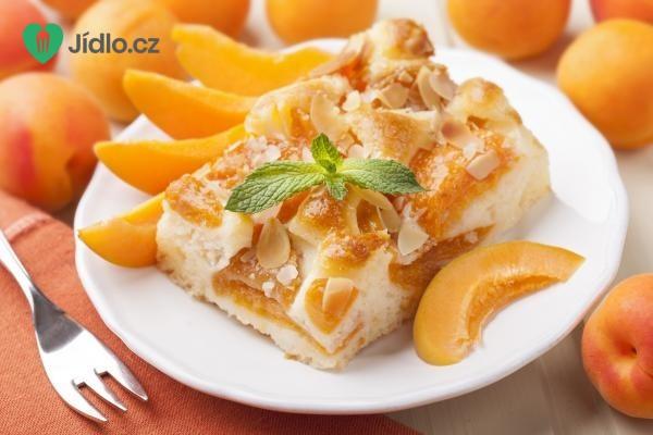 Lehký meruňkový koláč recept