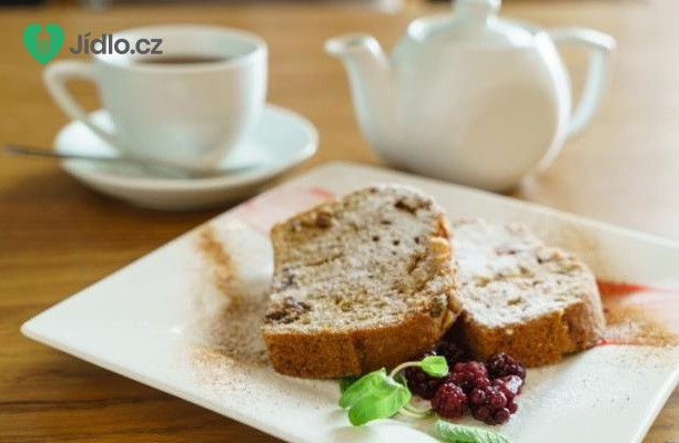 Letní chlebový zákusek s ovocem recept