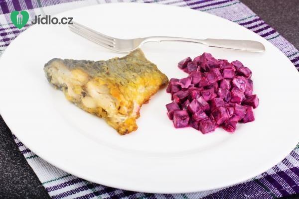 Marinovaný kapr  a salát s červenou řepou recept