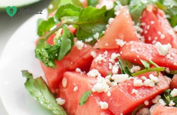 Melounový salát s kozím sýrem recept