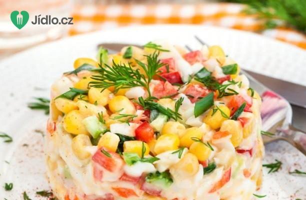 Okurkový salát s krabími tyčinkami recept