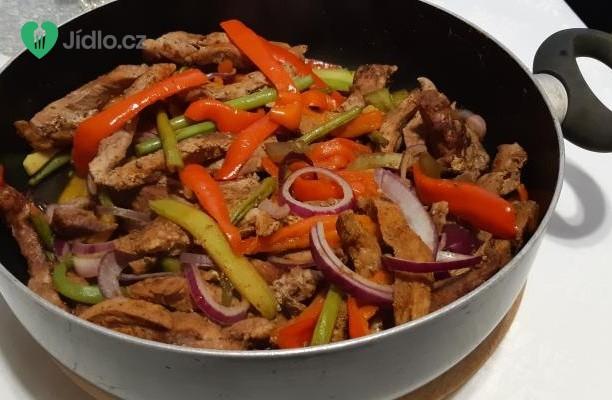 Opečená zelenina s vepřovými nudličkami recept