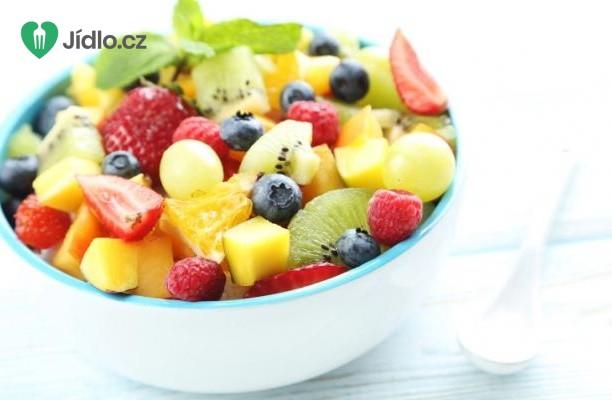 Ovocný salát s kiwi, jahodami a mangem recept