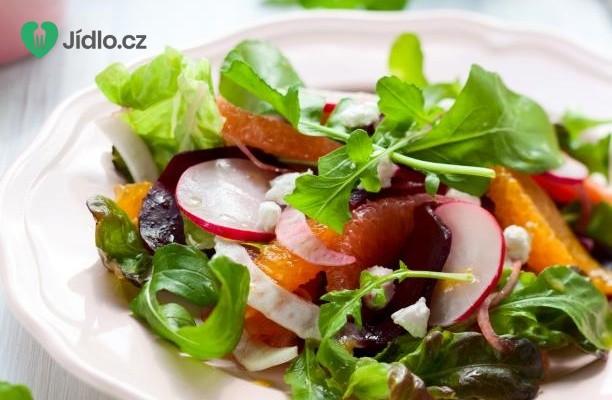 Pikantní salát s ovocem recept