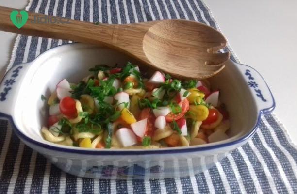 Pikantní těstovinový salát recept