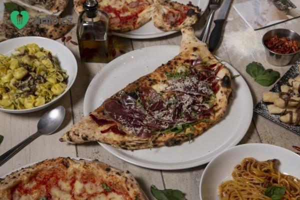 Pizza s čerstvou ricottou a červenou cibulí recept