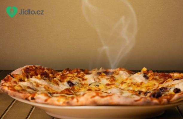 Pizza s kukuřicí a rozmarýnem recept