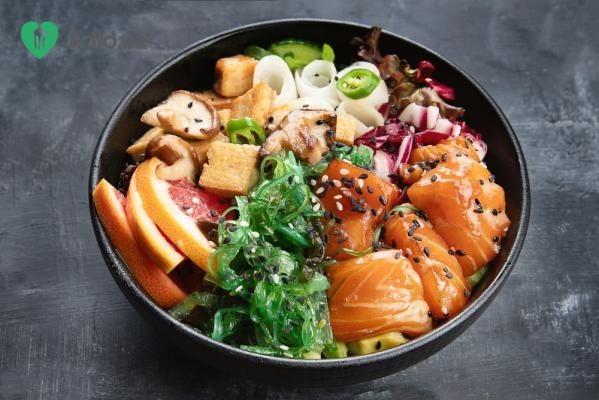 Poke bowl s lososem recept