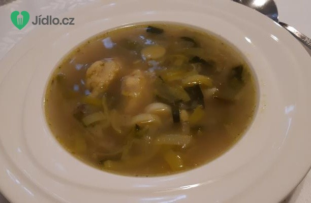 Pórková polévka s krupicovými noky recept