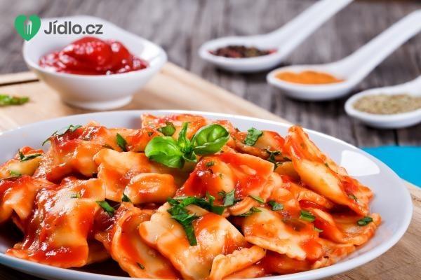 Ravioli se špenátem a ricottou v krémové rajčatové omáčce recept