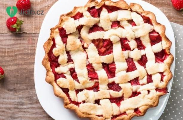 Rebarborový koláč s jahodami recept