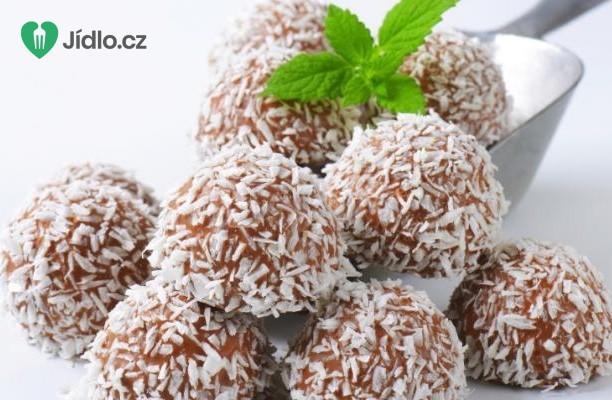 Rumové kuličky v kokosu recept
