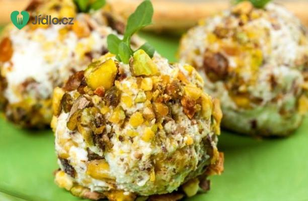 Recept Sýrové koule s ořechy a datlemi
