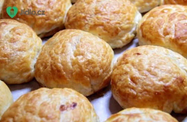 Sýrovo bramborové žemličky se slaninou recept