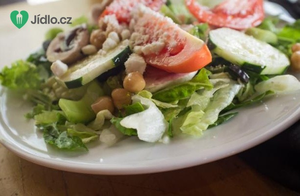 Salát Caesar s cizrnou recept