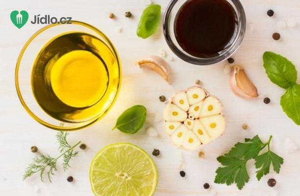 Salátová zálivka s balzamikovým octem recept