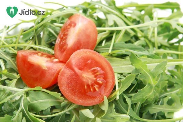 Salát s rukolou a rajčaty recept