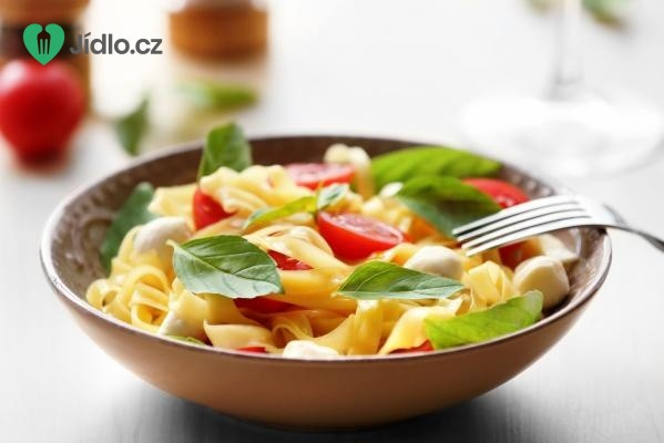 Salát z těstovin a zeleniny recept