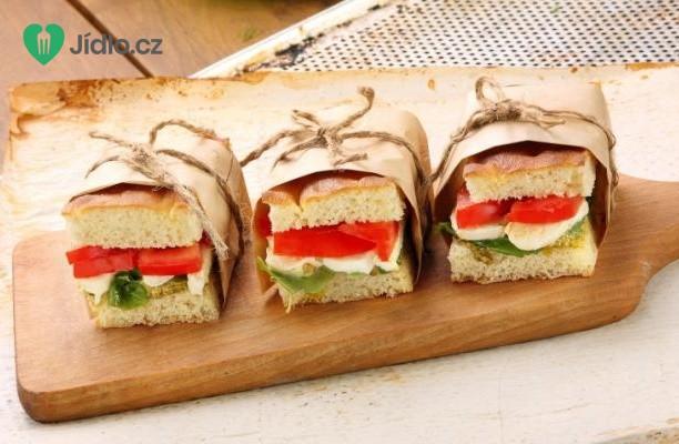 Sendviče s rajčaty a sýrem recept
