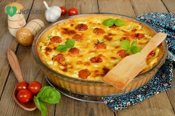 Slaný koláč s kozím sýrem a rajčaty recept