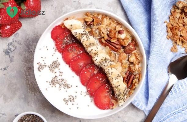 Smoothie miska s jahodami a banány recept