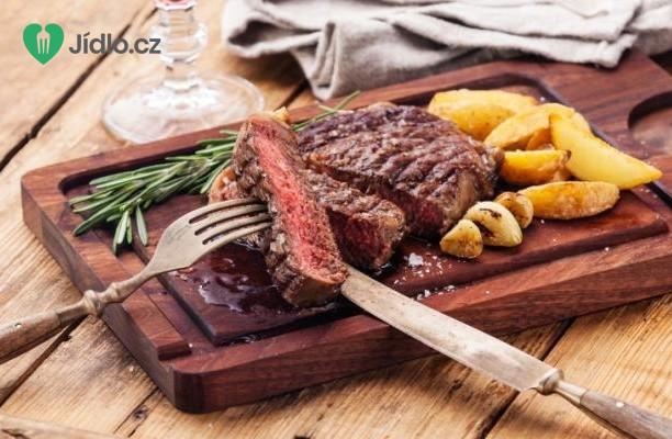 Steak s pečenými brambory recept