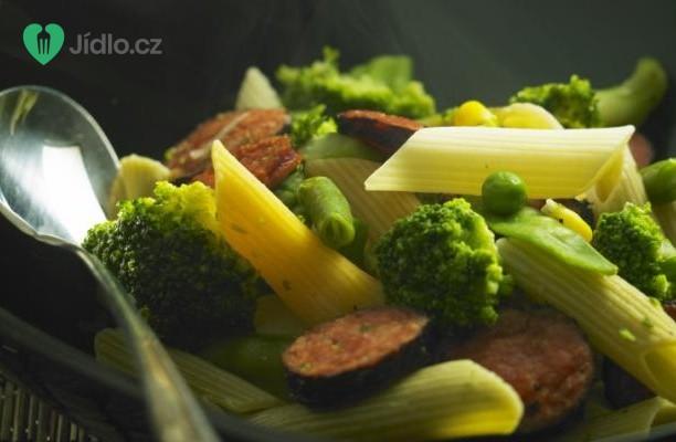 Recept Těstoviny s brokolicí a kuřecími párky