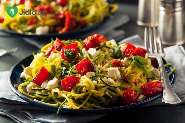Těstovinový salát s pečenými rajčaty recept