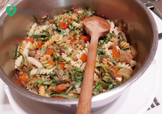 Těstoviny se žampiony a bylinkami recept