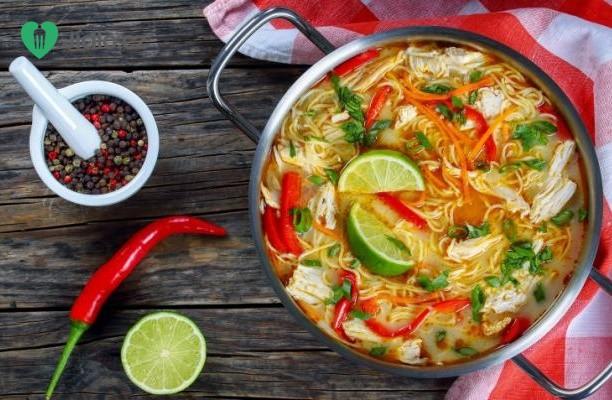 Thajská červená  polévka recept