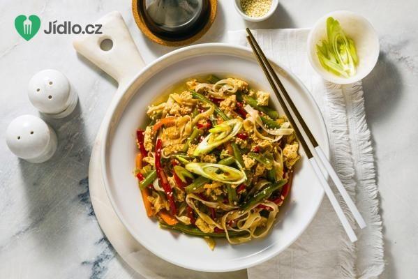 Tofu s rýžovými nudlemi recept