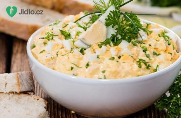 Vaječný salát s domácí majonézou recept