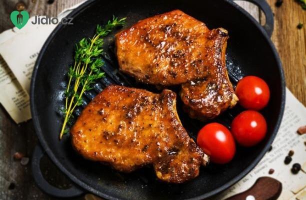 Vepřové kotlety s rajčaty recept