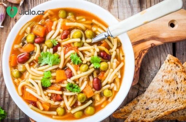 Vydatná polévka s těstovinami recept