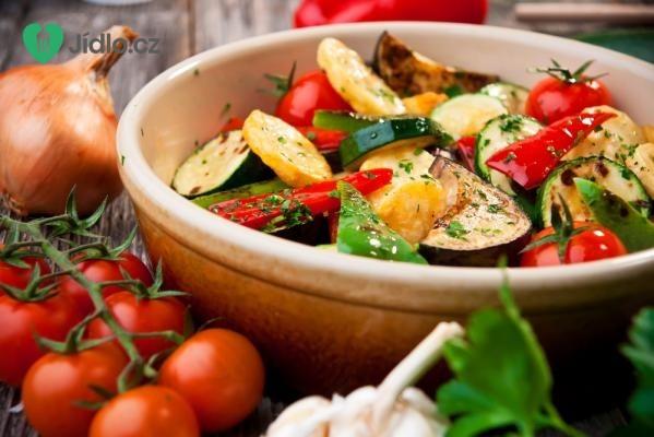 Zapečená cuketa se zeleninou a lilkem recept