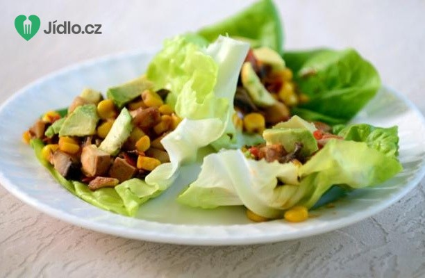 Zeleninový salát s avokádem a sýrem tofu recept