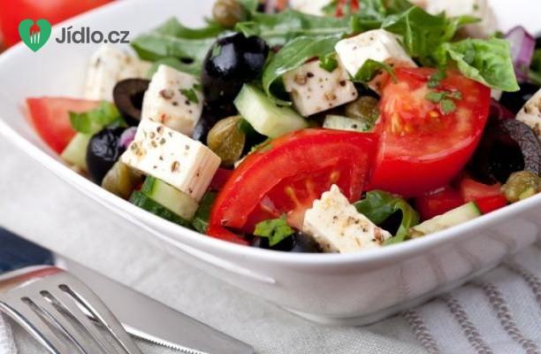 Recept Zeleninový salát s naloženým sýrem