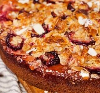 Švestkový koláč s mandlovou drobenkou