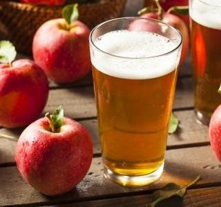 Domácí jablečný mošt