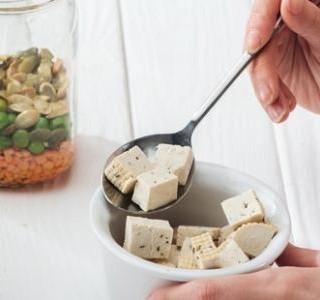 Domácí vegan-kešu sýr
