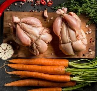 Dušené kuře s kedlubnou a mrkví