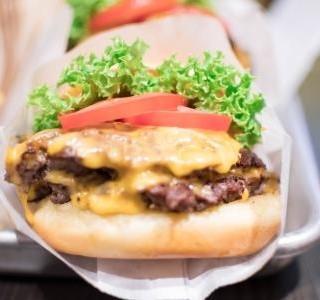 Falešný chalupářský hamburger
